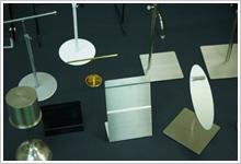 アクリル・スチールディスプレイ、木工製品制作例1